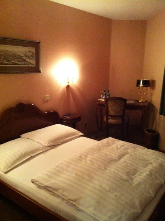 Blick ins Zimmer Hotel Sej Sandzak