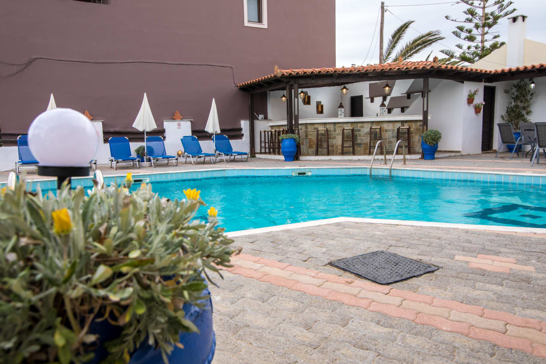 Außenansicht Hotel Irilena