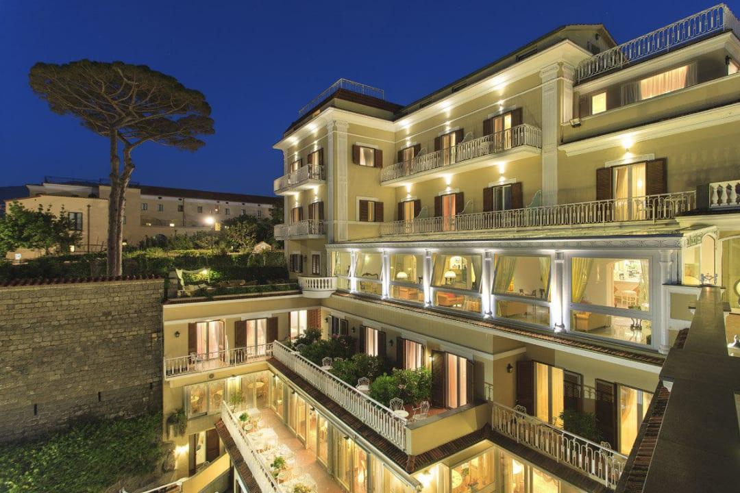 External view - night. Hotel Corallo Sorrento