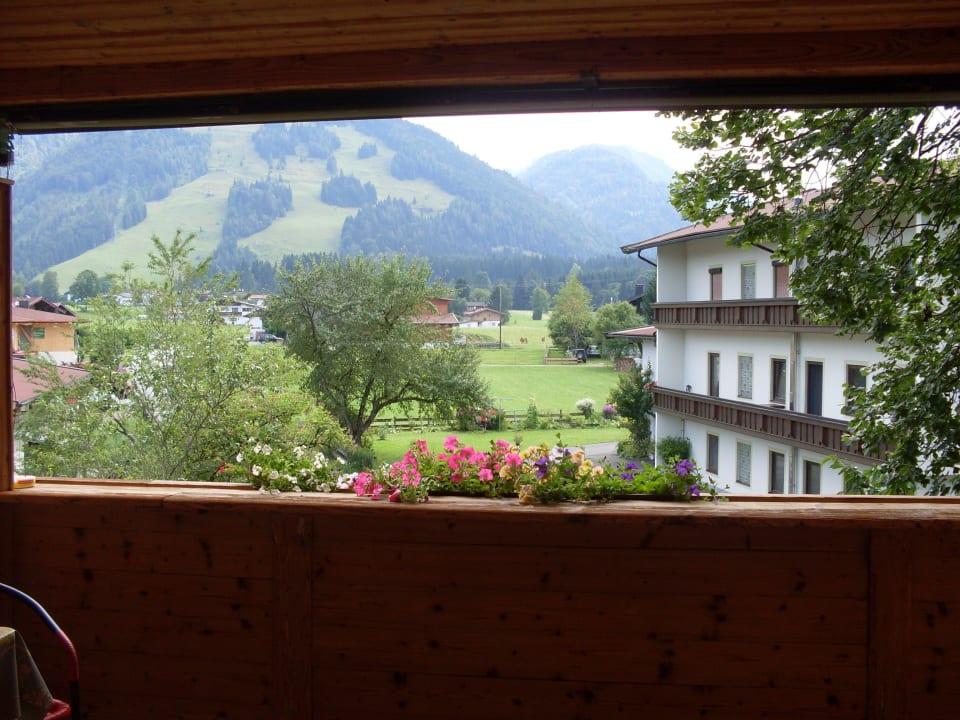 Blick aus dem Fenster von zimmer 2 Frühstückspension Hüttwirt