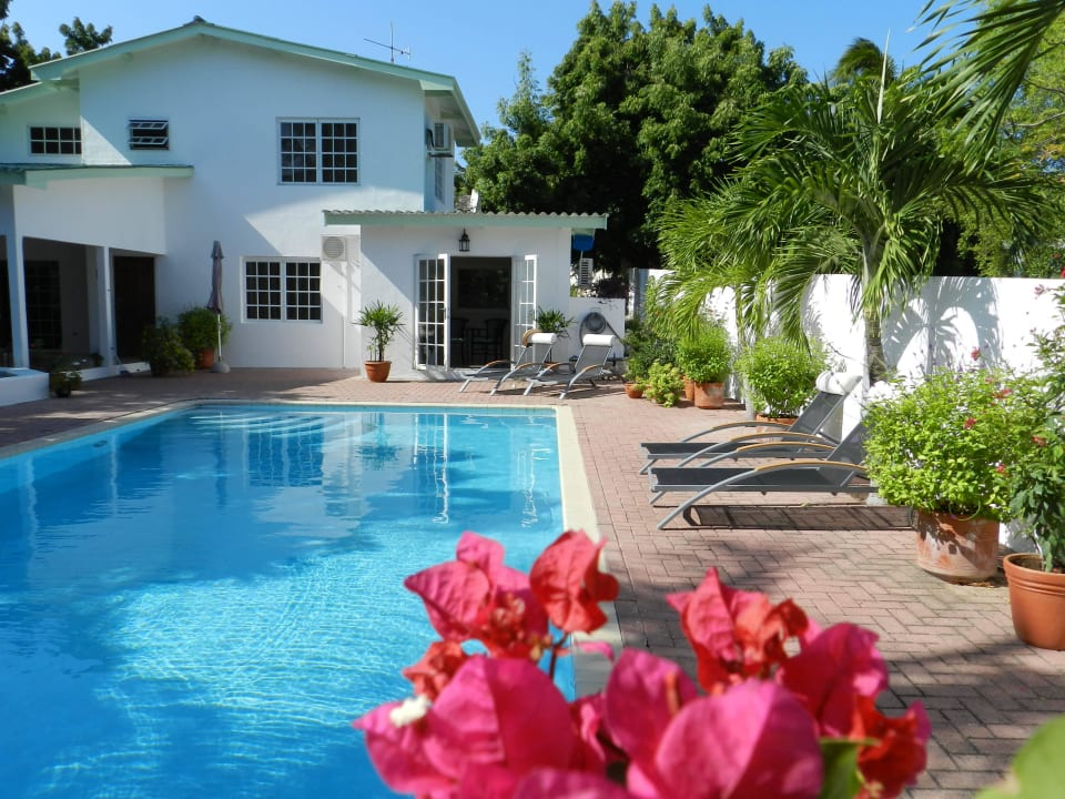 Wohnhaus Bed & Breakfast Sombre Di Kabana