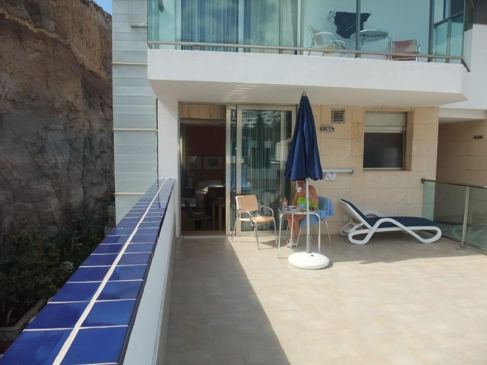 Terrasse zu Zimmer 403 Hotel Morasol Suites