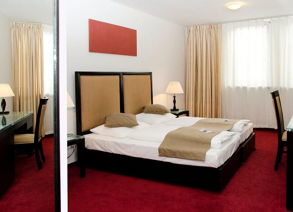 Double Room The Corner Hotel The Corner Hotel