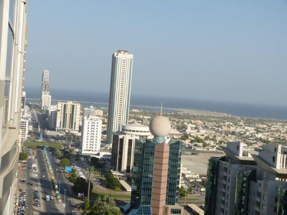 Seitlicher Blick Richtung Meer City Tower Hotel