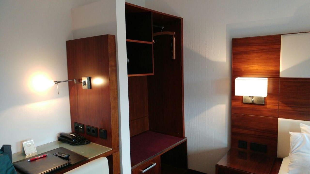 Ablagemöglichkeiten Hotel Adena
