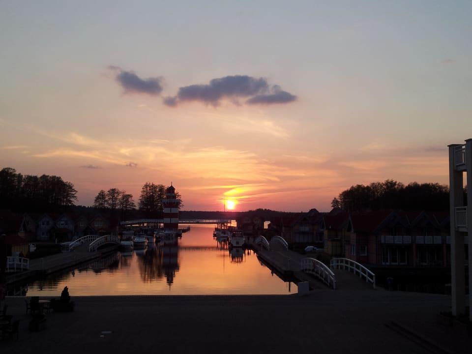 Herrlicher Sonnenuntergang im Mai Marinaresort Ferienhäuser Hafendorf Rheinsberg