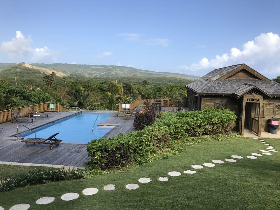 Kein Meerblick, obwohl für 180 EUR/Nacht verkauft Hotel Santosha Barbados