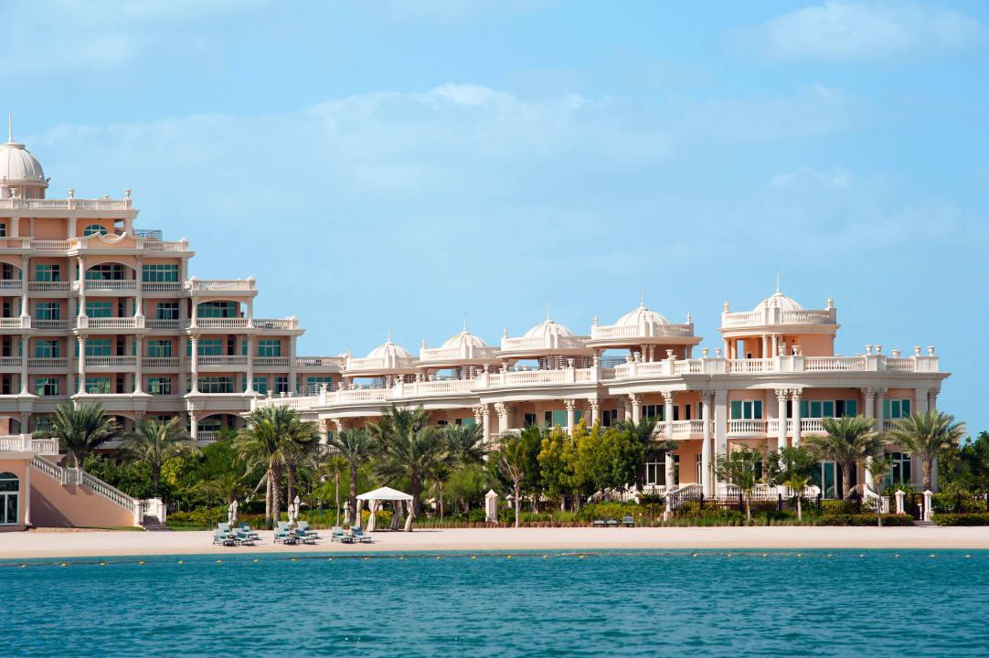 Villas view from the beach Kempinski Hotel & Residences Palm Jumeirah