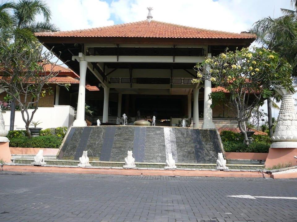 Vooraanzicht van het hotel Camakila Tanjung Benoa (geschlossen)