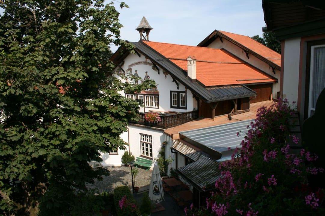 Blick auf das Bauernetheater Hotel Gasthof Terofal