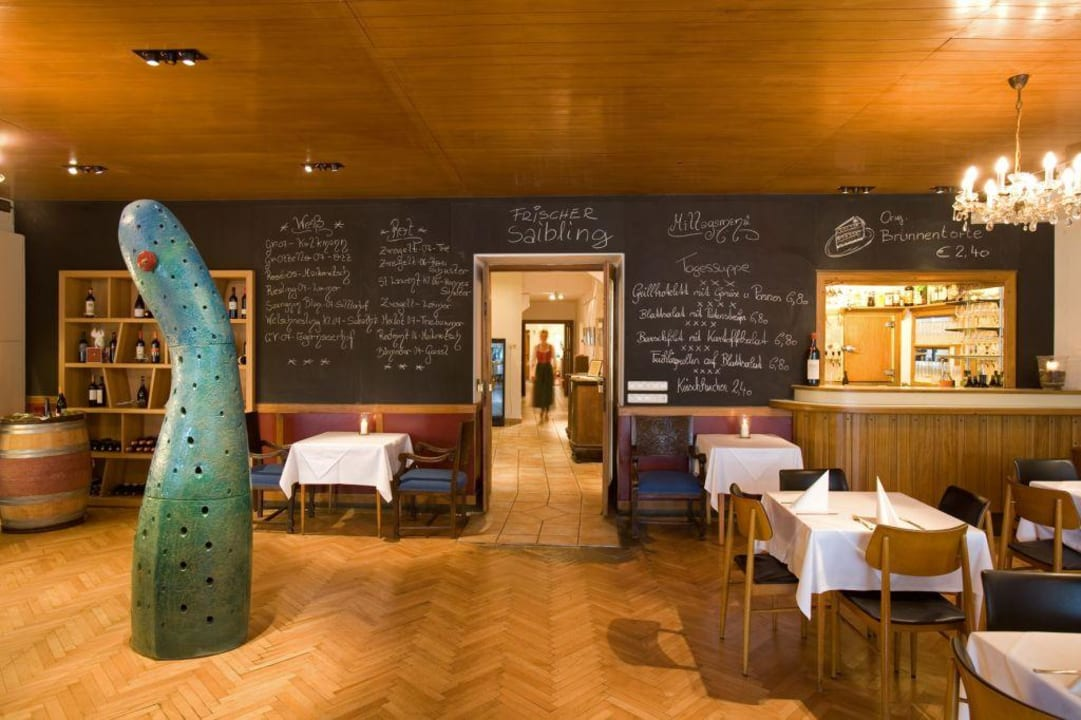 Restaurant/Buffet Keramikhotel Goldener Brunnen