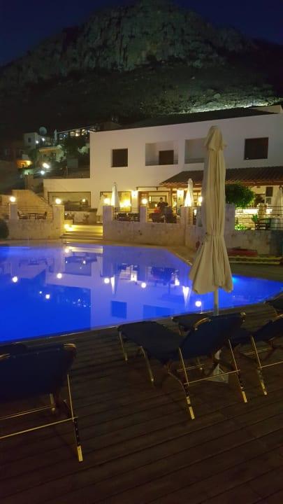 Tolle Anlage, schöner Pool Amazones Village Suites