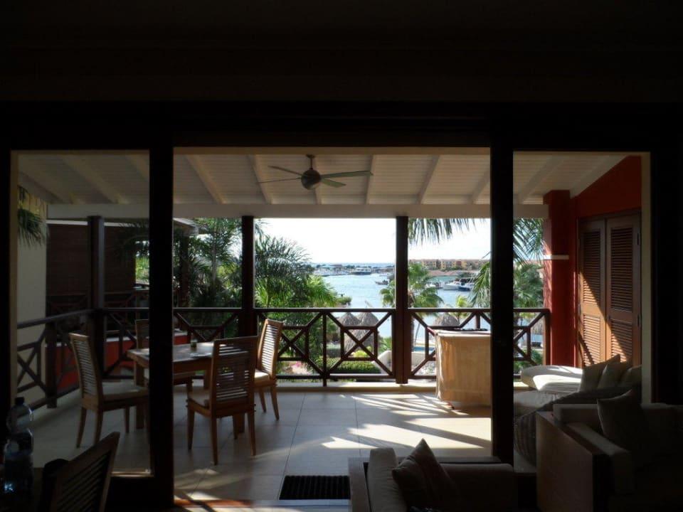 Wohn-/Essbereich/Balkon La Maya Beach Curacao Resort