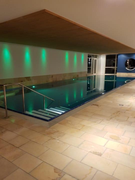 Schöner gut beheizter Innenpool Hotel Grossfeld