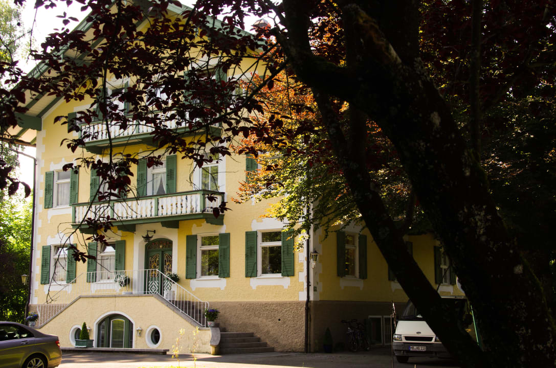 Eingang Villa Adolphine
