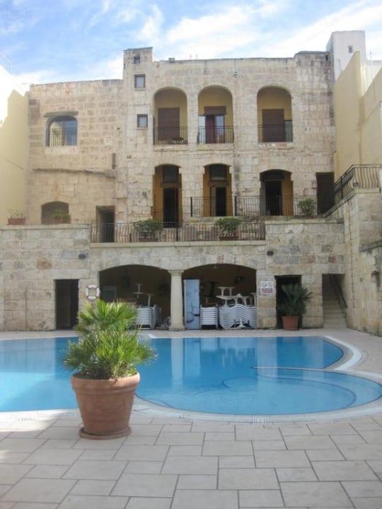 Außenpool Maritim Antonine Hotel & Spa Malta