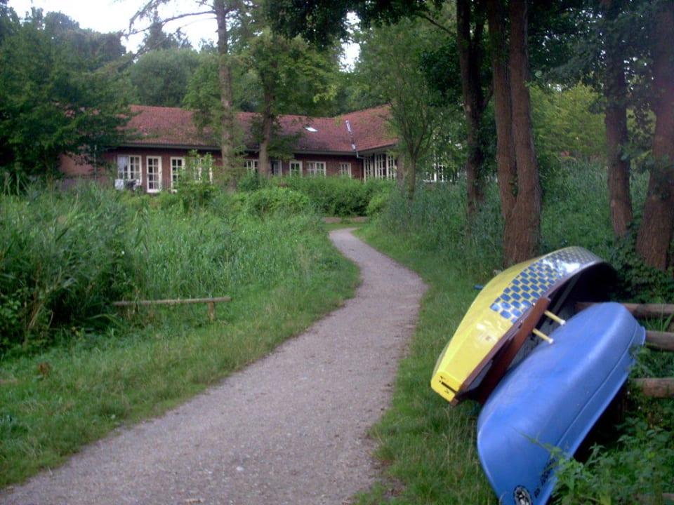 Weg vom See Hotel Farchauer Mühle