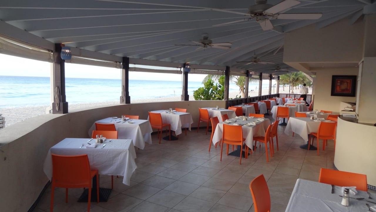 Restaurant Hotel Infinity on the Beach