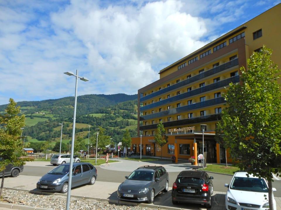 Hotel vom Parklatz aus Hotel Relax Resort Kreischberg