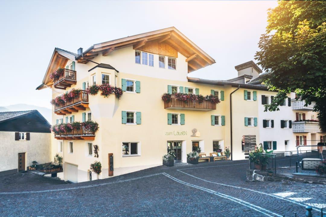 Außenansicht Hotel Zum Löwen - Post