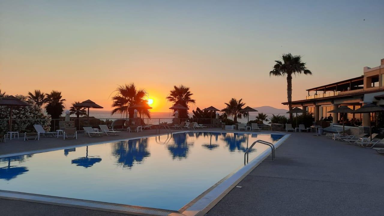 Pool Hotel Kouros Palace