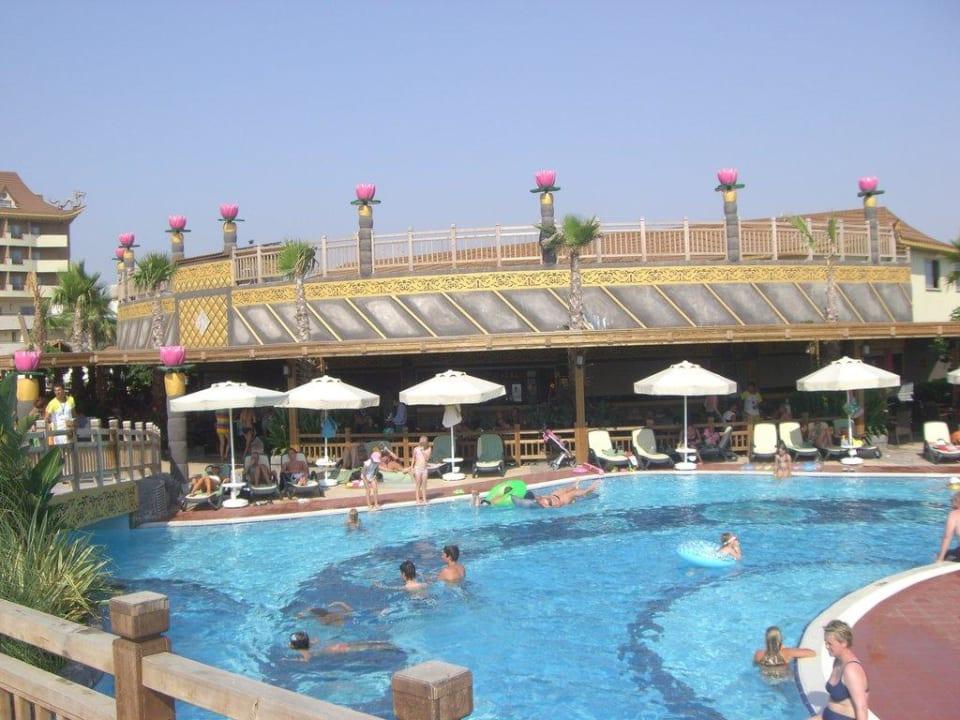 Poolseite Hotel Royal Dragon