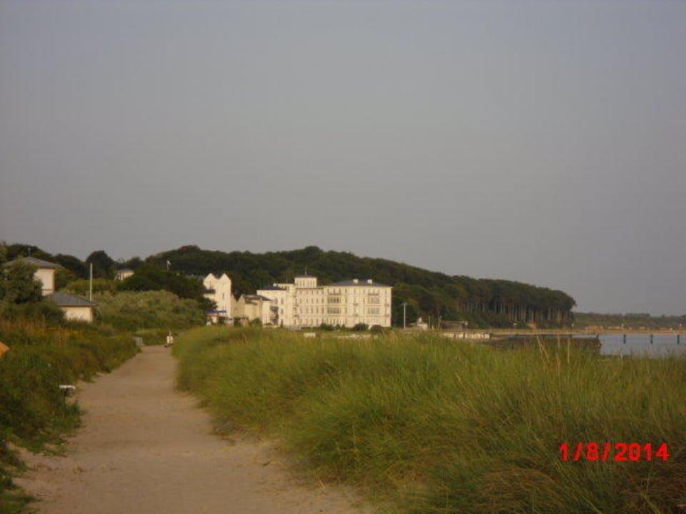 Blick zum 3 Km entfernten Heiligendamm Strandschloss Arielle