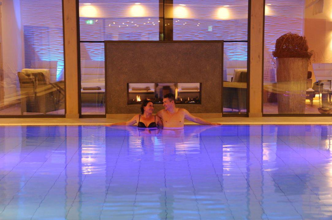 Pool Kaminstimmung MICHELS Wellness- & Wohlfühlhotel