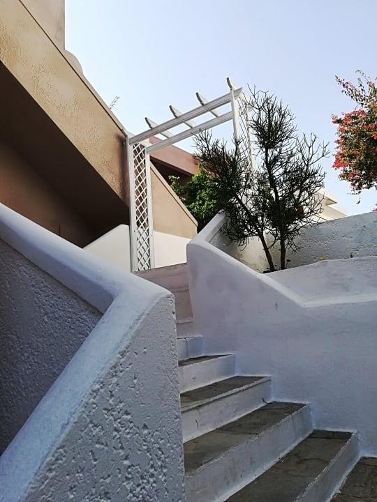 Außenansicht EVINA Rooms & Suites