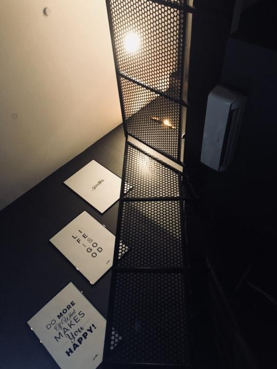 Zimmer Black Hotels