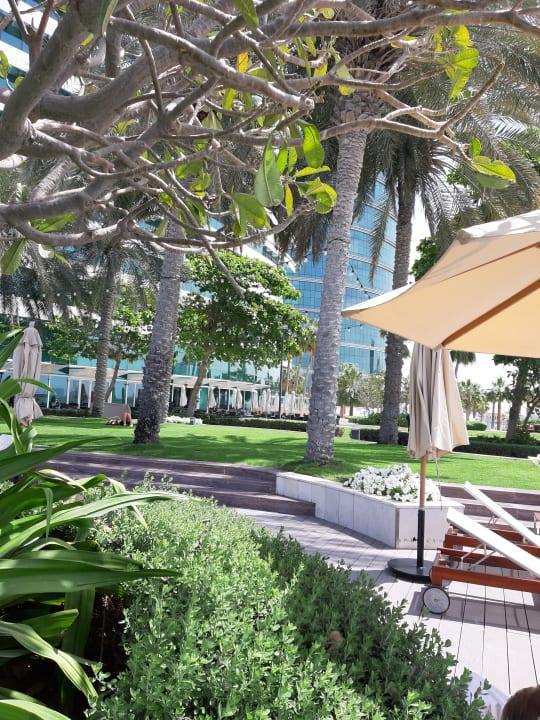 Gartenanlage Hotel Crowne Plaza Dubai Festival City