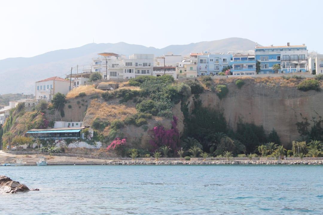 Das Hotel Minos auf der Klippe  Hotel Minos