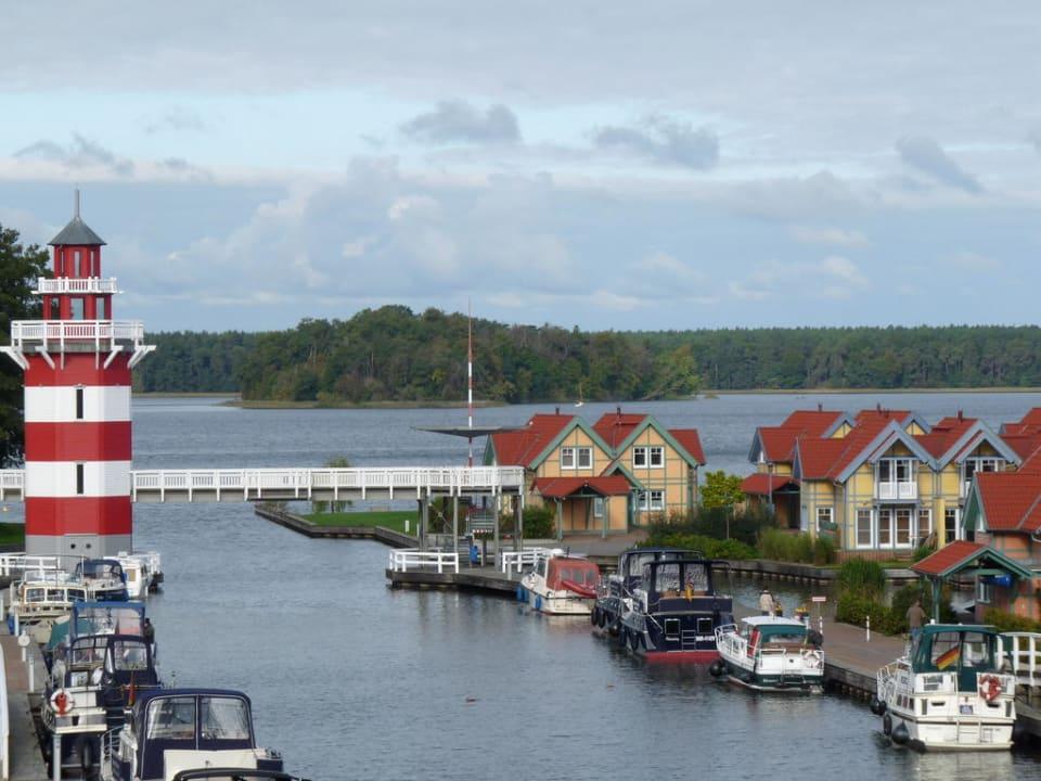 Ausblick vom Balkon Marinaresort Ferienhäuser Hafendorf Rheinsberg