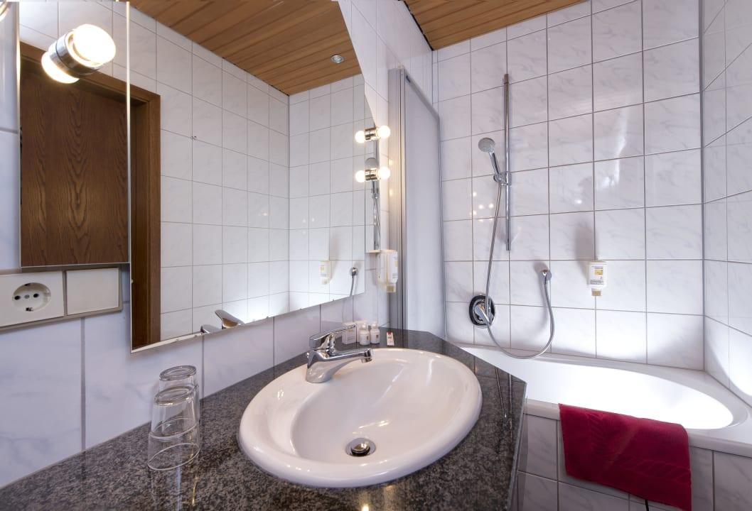 Badezimmer Hotel Goldenes Fass Rothenburg Rothenburg Ob Der Tauber Holidaycheck Bayern Deutschland