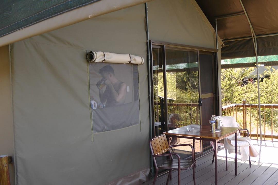 Vor der Küche des Zeltes Restcamp Lower Sabie