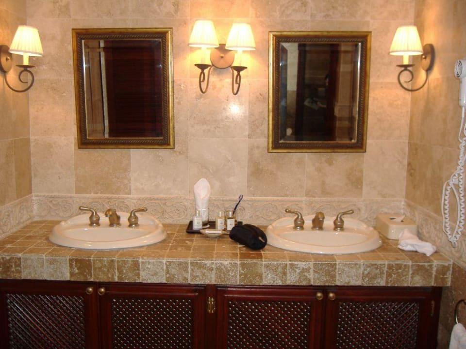 Badezimmer Hotel The Crane Resort & Residences