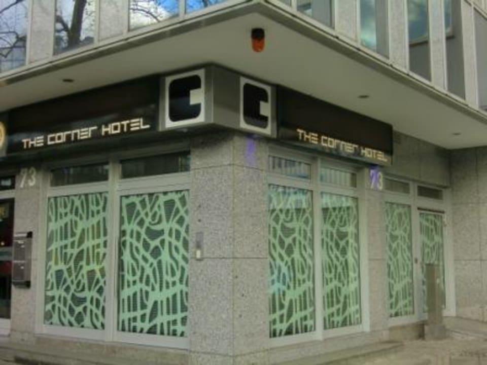 Aussenansicht  The Corner Hotel