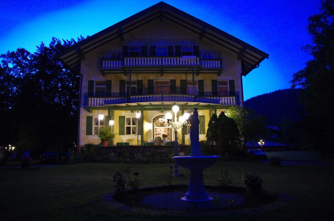Abend Villa Adolphine
