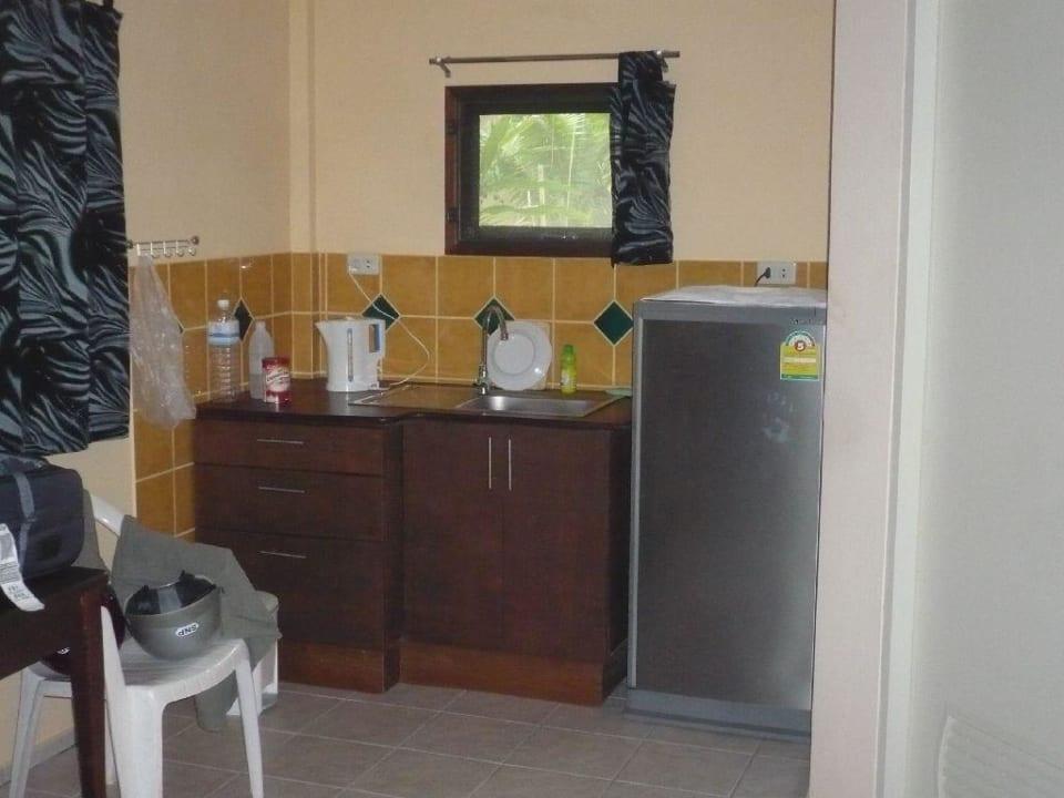 Küchenzeile und Kühlschrank Lake View Bungalows
