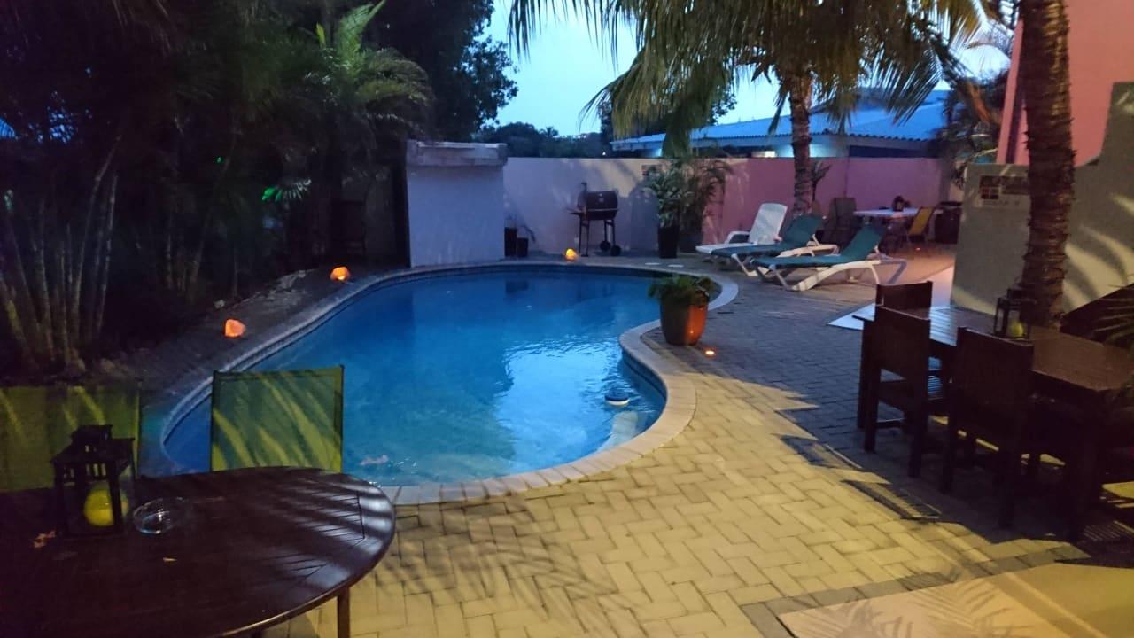 Kleiner aber ausreichender Pool Travelodge Quints Curacao