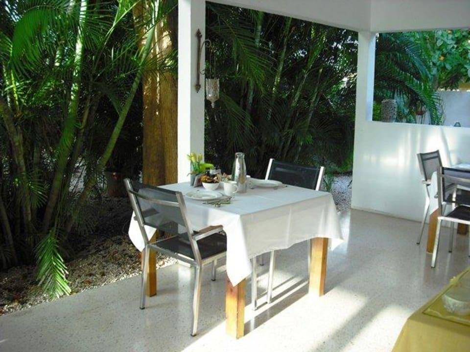 Unser Frühstückstisch Bed & Breakfast Sombre Di Kabana