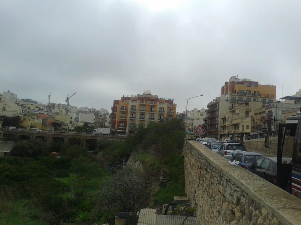 Hauthaus mittig Nebenhaus rechte Seite  Maritim Antonine Hotel & Spa Malta