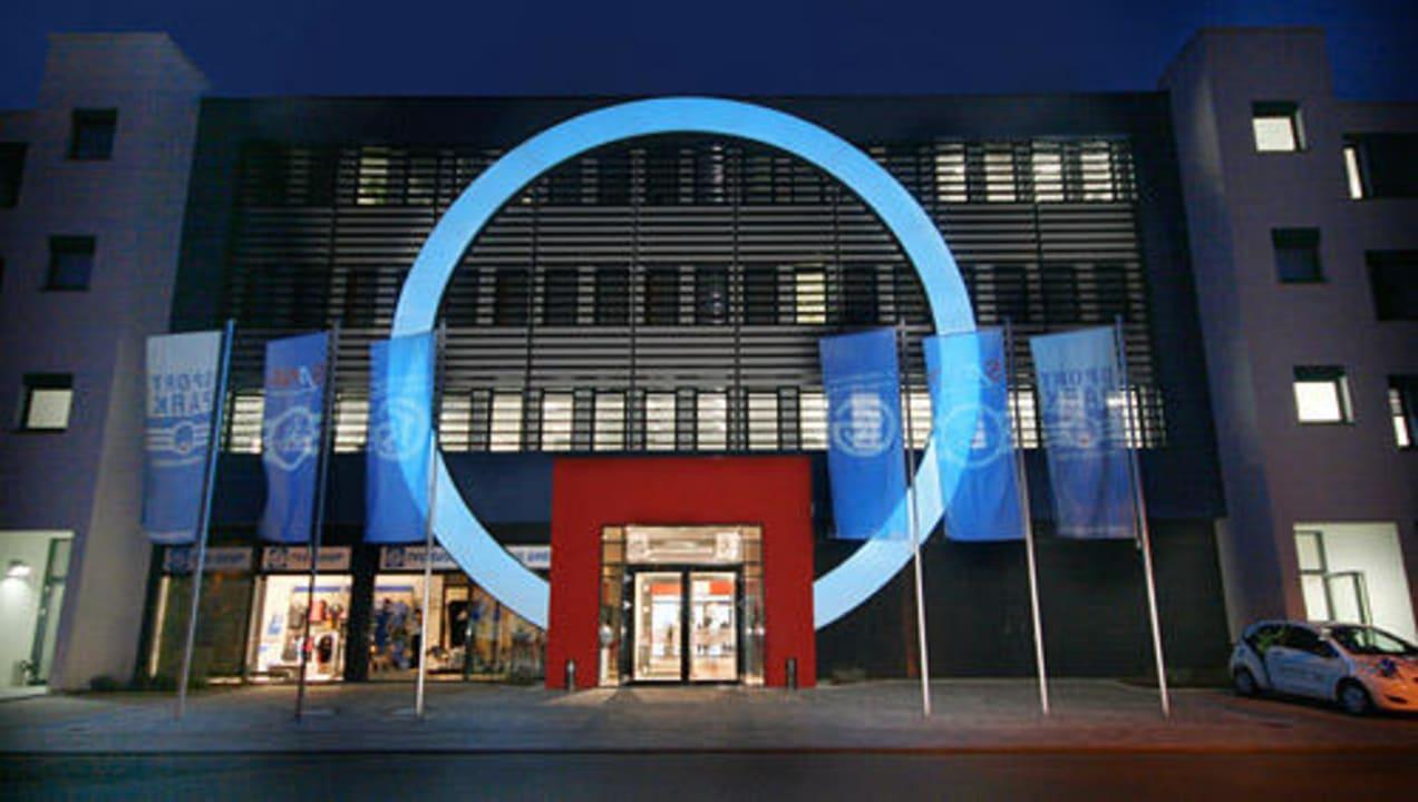 Außenansicht bei Nacht Business & Conference Sporthotel Großwallstadt