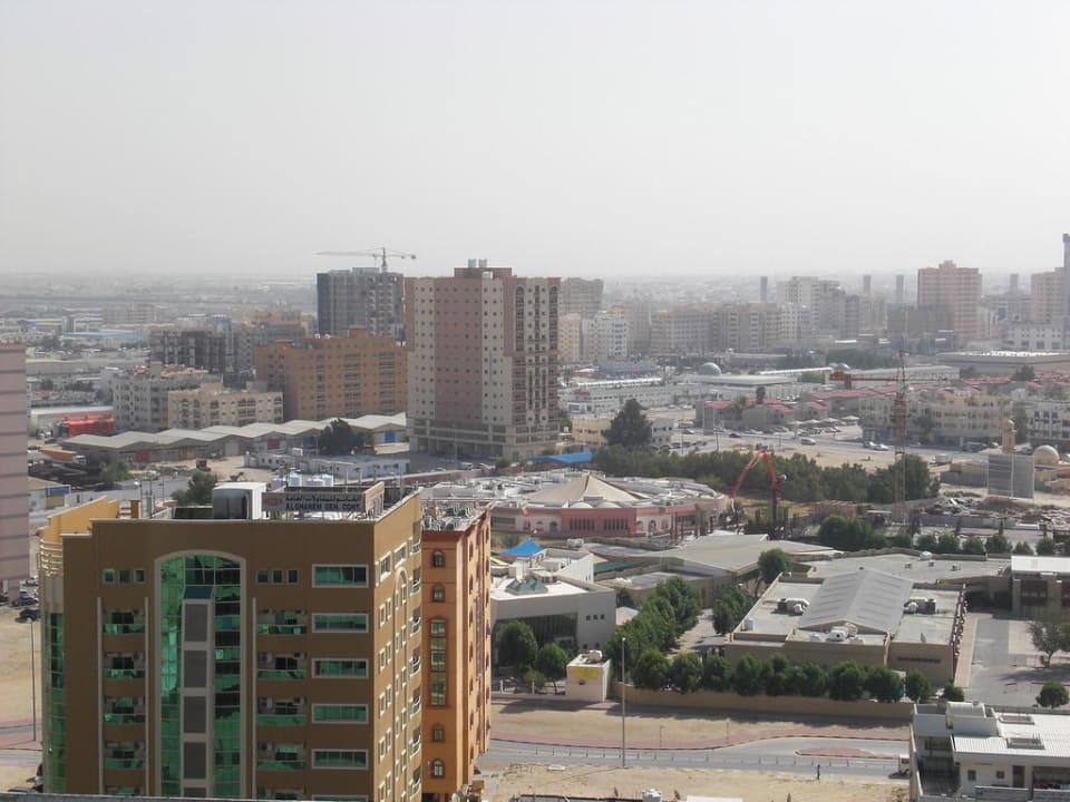 Ausblick vom Balkon Ramada Hotel & Suites by Wyndham Ajman