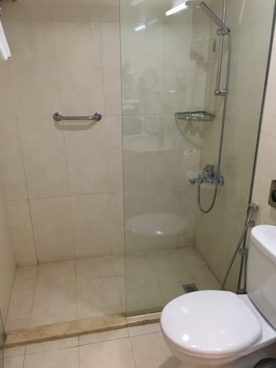 Zimmer Ramada Hotel & Suites by Wyndham Ajman