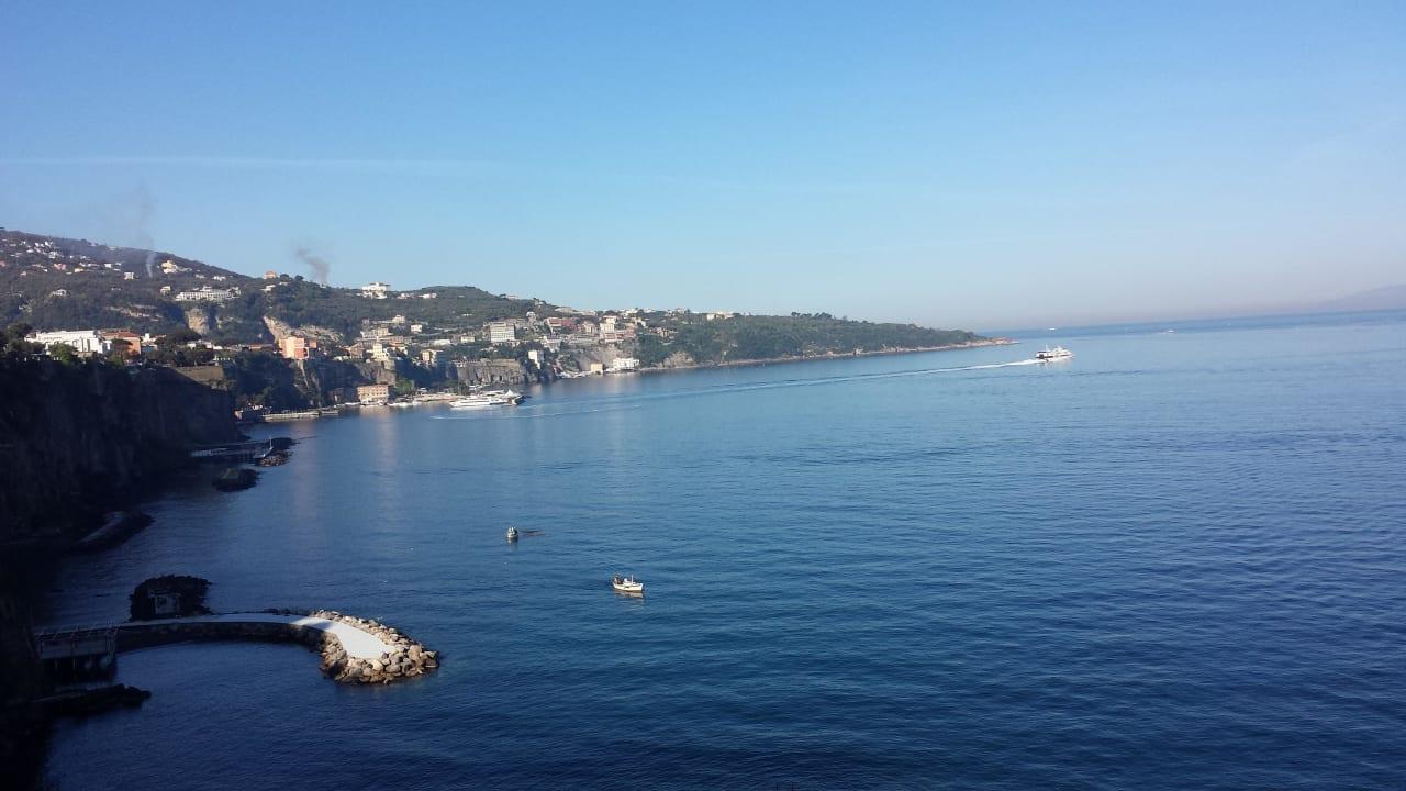 Blick nach Sorrent Hotel Corallo Sorrento