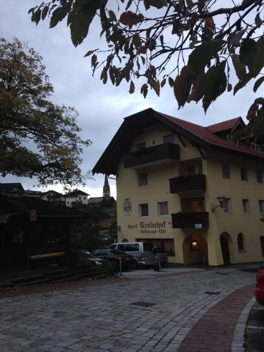 Ansicht bei der Anfahrt Hotel Tirolerhof