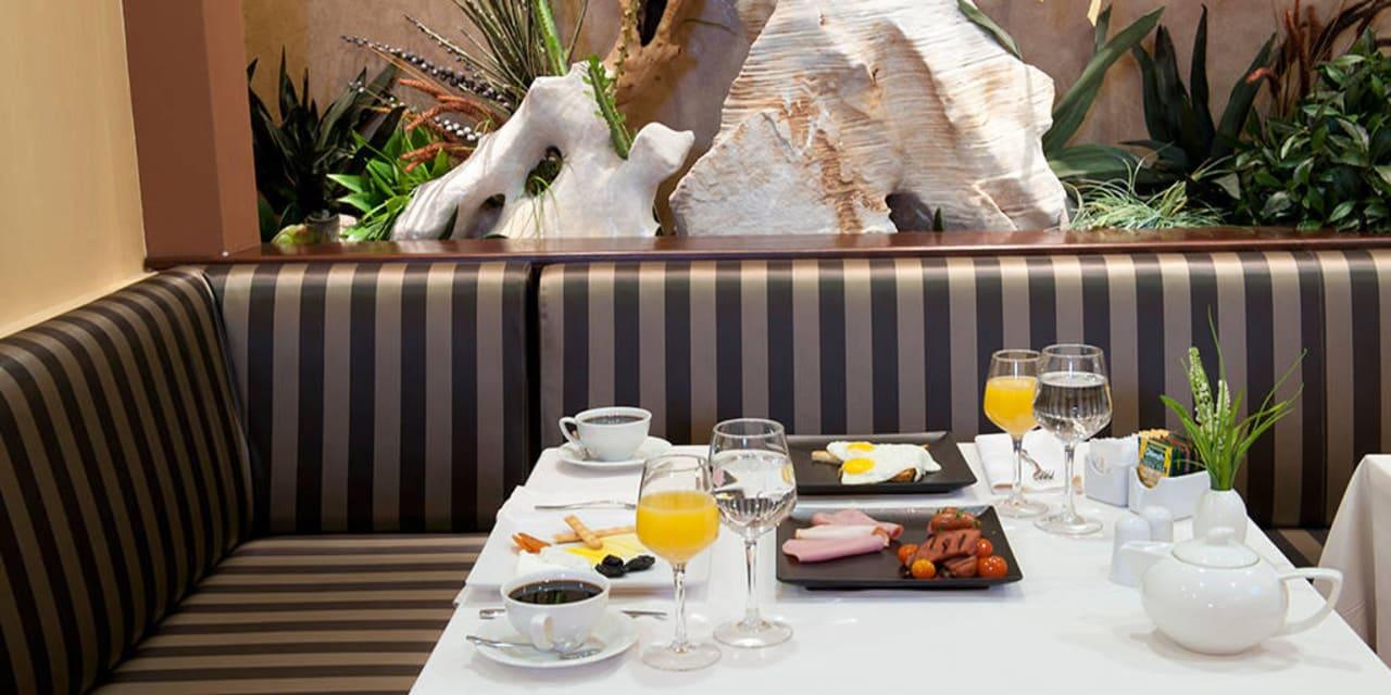 Dionyssos Restaurant Hotel Premier Luxury Mountain Resort