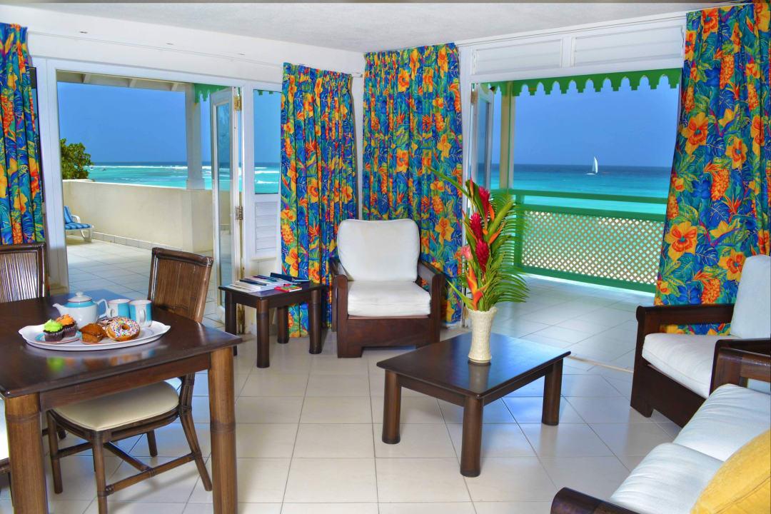 1 Bedroom  Penthouse Livingroom Coral Mist Beach Hotel