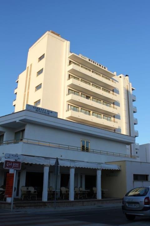 Außenansicht Hotel Biniamar